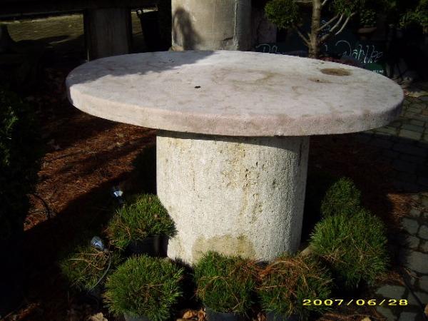 Tisch aus Untersberger Marmor
