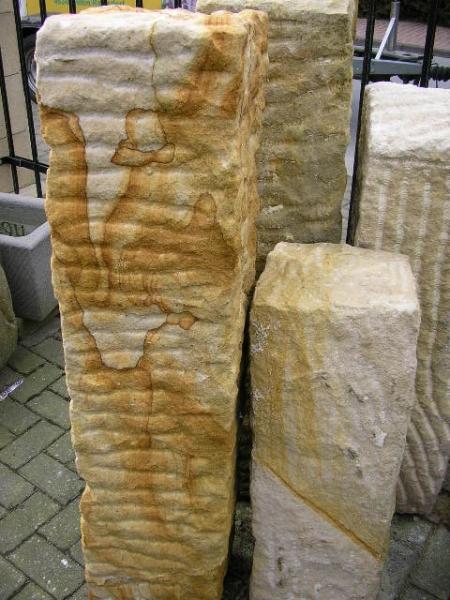 Sandsteinstelen 25cm x 25cm, 80cm lang