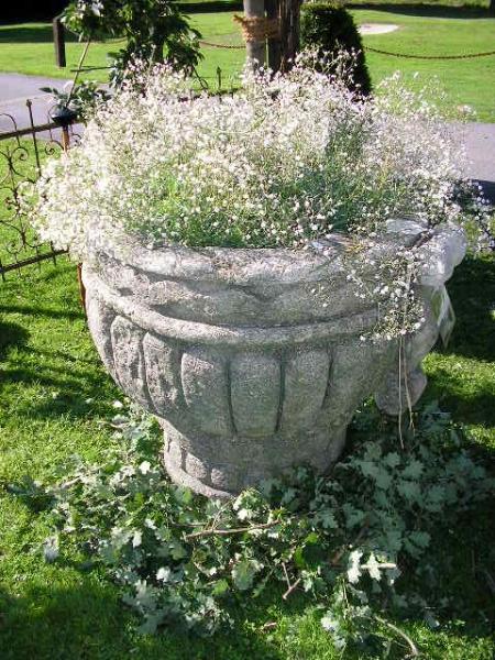 Vase aus Muschelkalkstein gefertigt