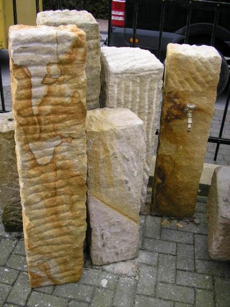 Sandsteinstelen 25cm x 25cm, 140cm lang