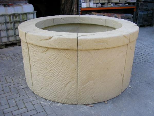 Brunnenring aus acht Teilen
