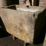 historischer Sandsteinbrunnen