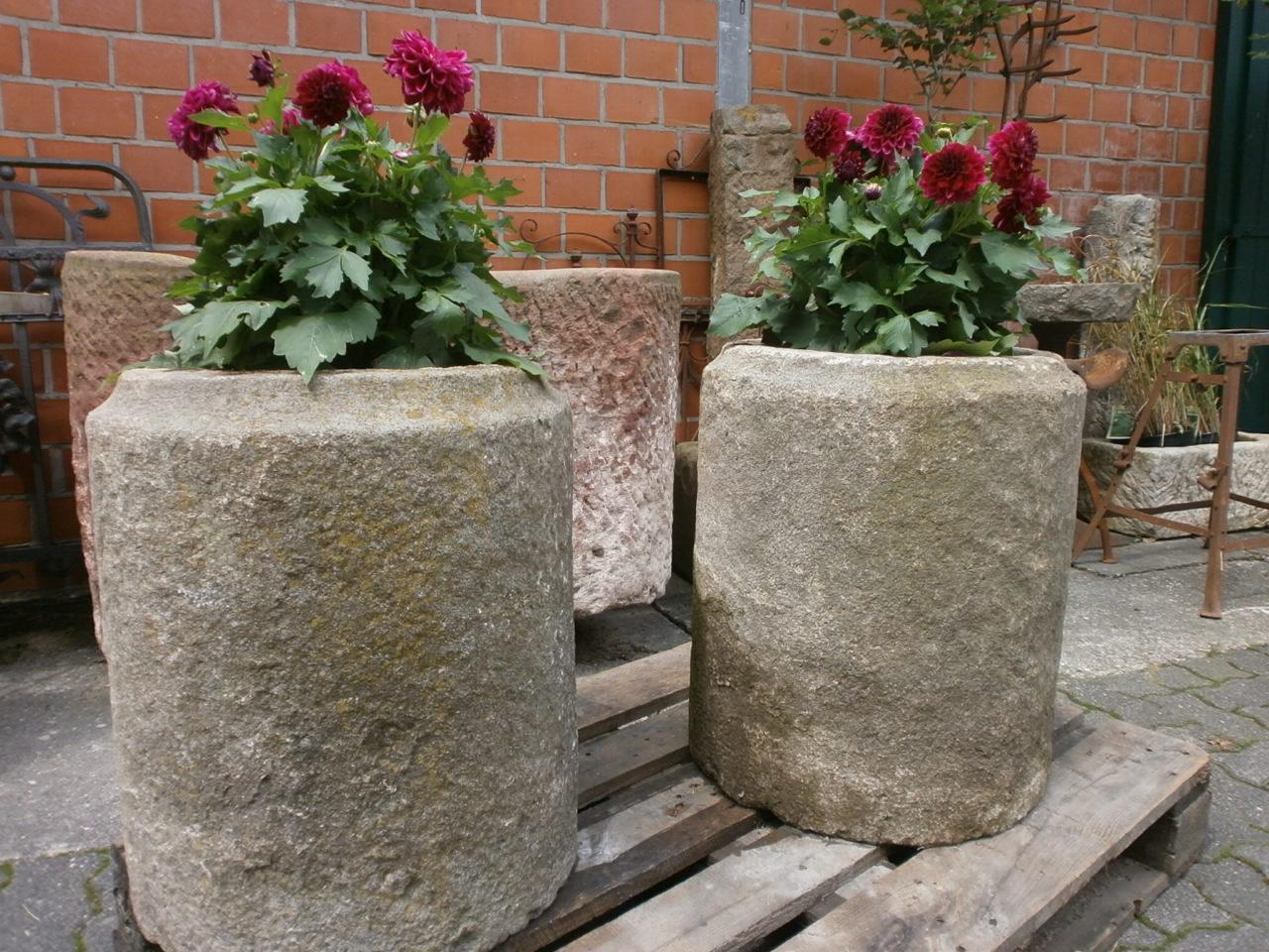 Vasenpaar aus Granit