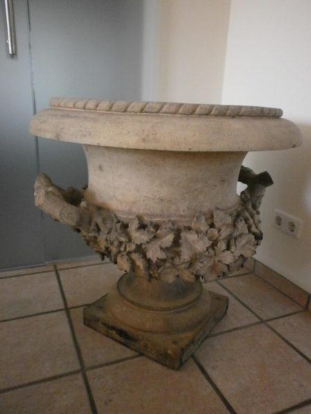 historische Vase aus Terracotte