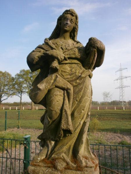 historische Figur aus Sandstein