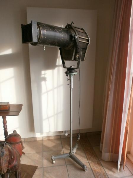 Bühnenscheinwerfer DDR, NVA