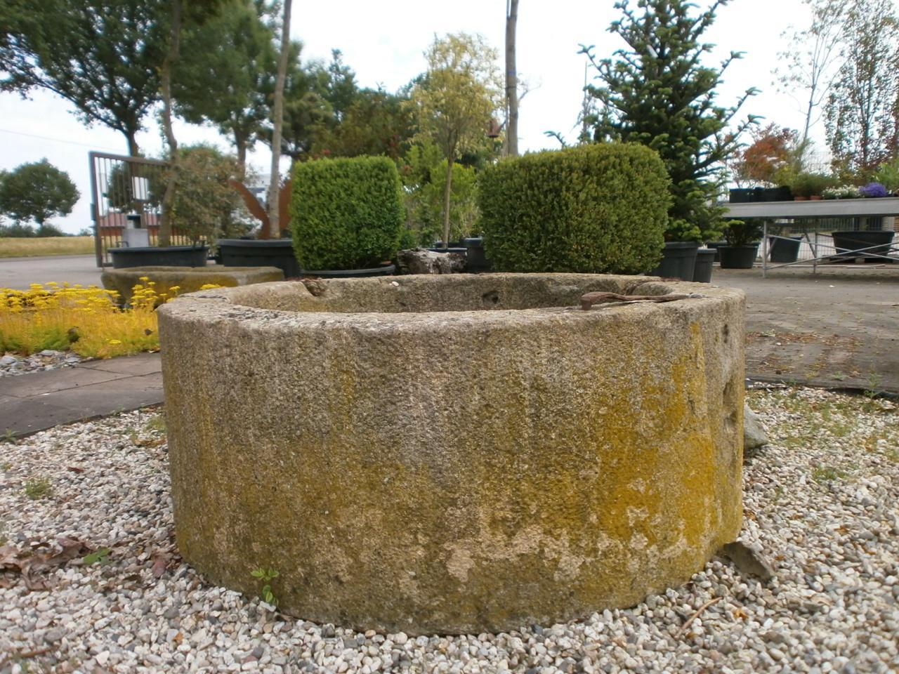 Ziehbrunnen, Brunnen, Brunnenring