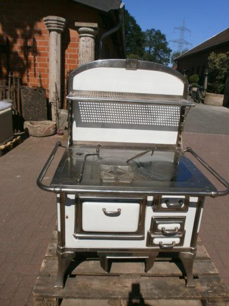 antike Kochmaschine oder Stangenherd