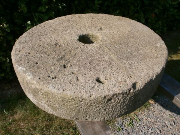 antiker Mühlstein