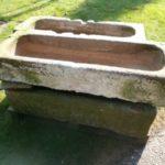 Vier tolle Futtertröge aus Sandstein