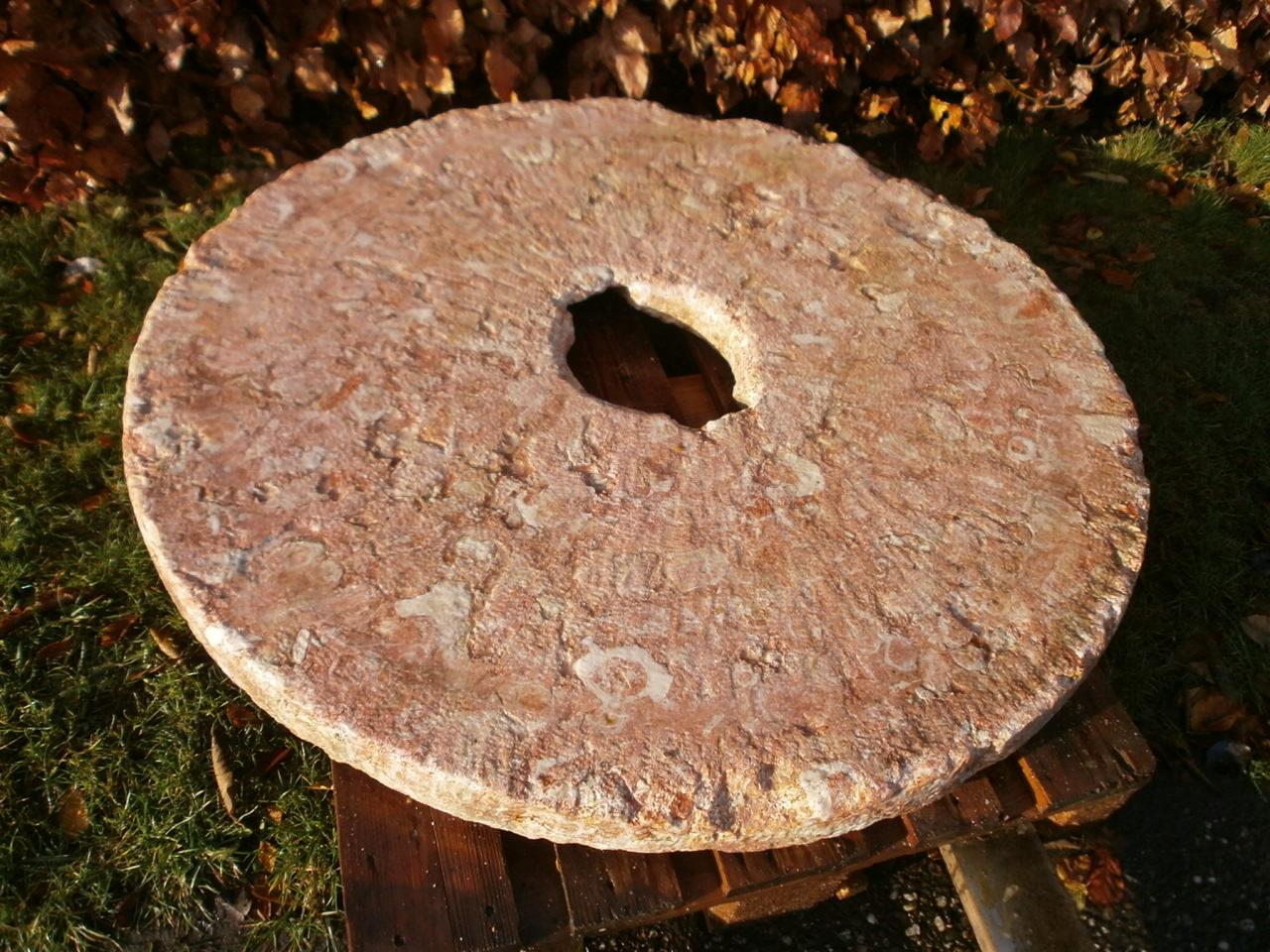 Mühlstein aus Untersberger Marmor
