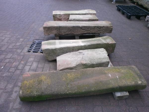 antike, sehr urige Treppenstufen