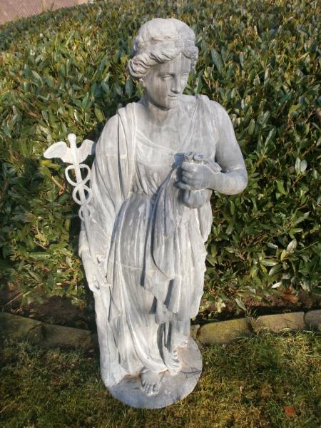 Figur der Göttin Äskulap