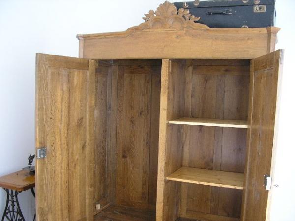eichenschrank heidesandstein. Black Bedroom Furniture Sets. Home Design Ideas
