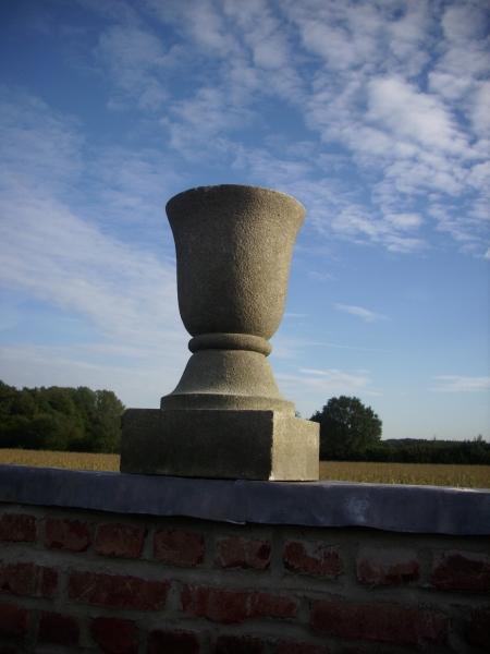 3er Satz Granit Vasen antik