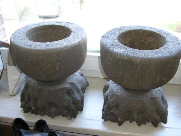 Sehr interssante Vasen aus Naturstein