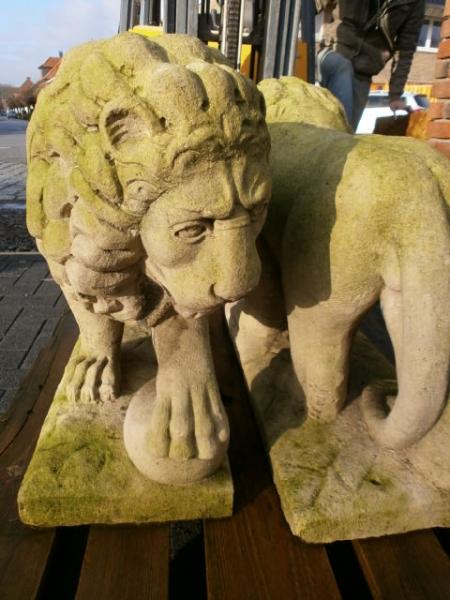 L wen aus sandstein antik heidesandstein for Figuren aus sandstein