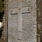 Grabstein mit Kreuz