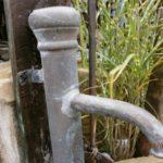 Kupferne Schwengelpumpe antik