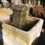 Traumhafter Brunnen aus Sandstein