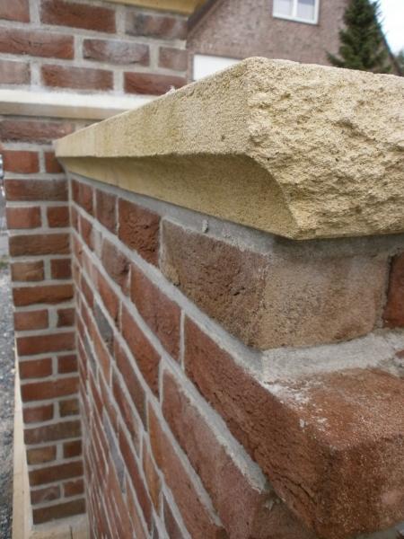 """Mauerabdeckungen mit """"Hole"""""""