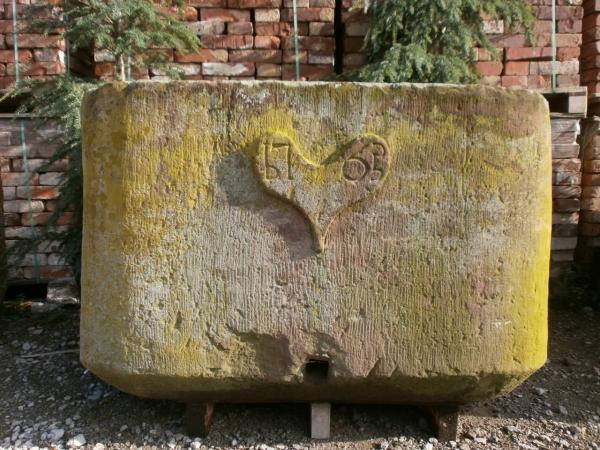historischer Brunnentrog von 1763?