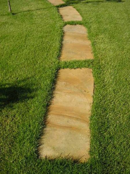 Polygonale Sandsteinplatten