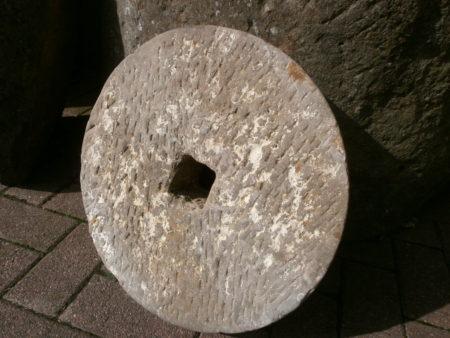 antiker Schleifstein