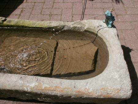 Wunderbarer kleiner Brunnen
