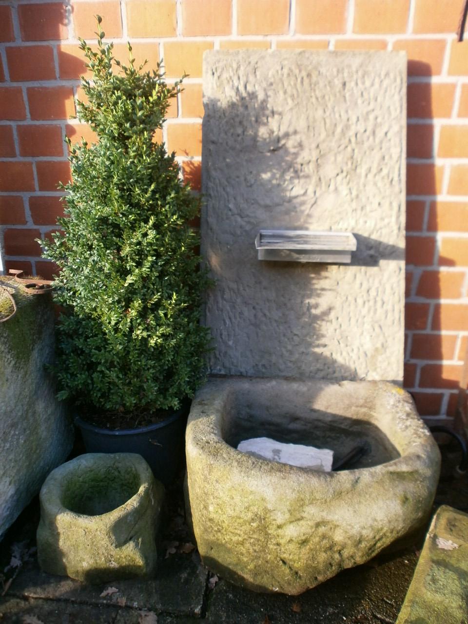 Brunnen aus Sandstein historisch