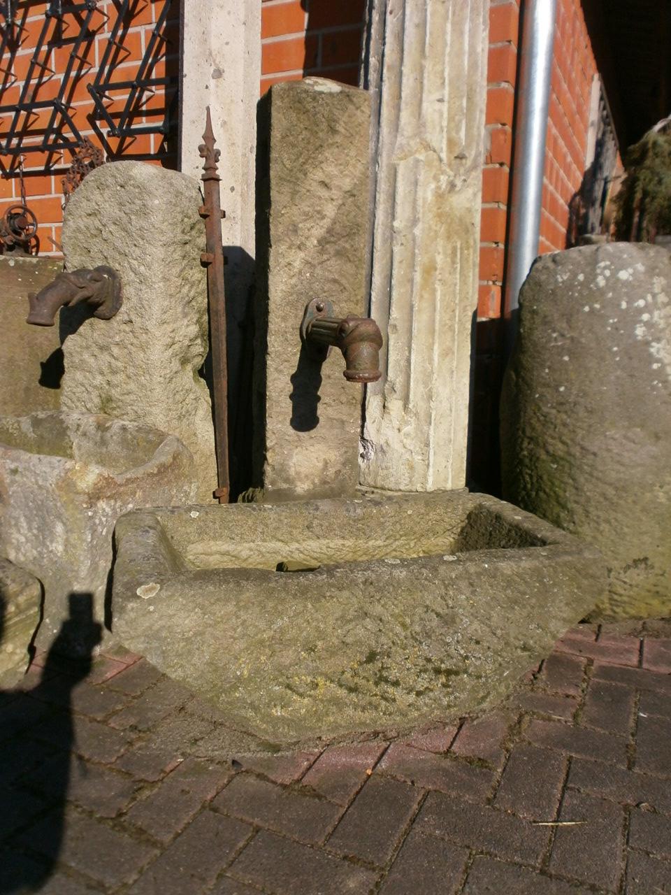Brunnen für innen und außen aus Sandstein