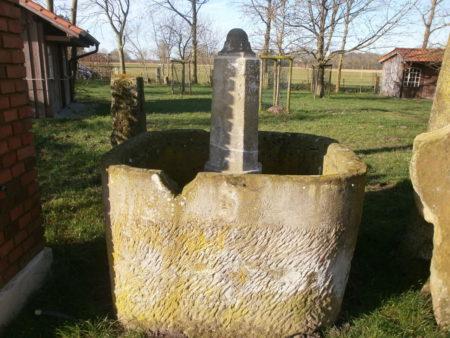 großer Brunnen, noch im Aufbau