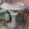 Sehr dekorativer, hoher Brunnen